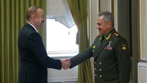 Шойгу проинформировал Алиева о развертывании в Нагорном Карабахе российских миротворческих сил