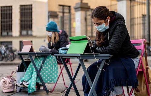 В Италии школьники начали протест против covid-мер