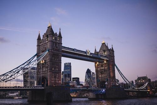 В Великобритании могут сократить с 14 до 5 дней продолжительность карантина для туристов