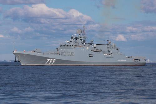 Avia.pro: самолет США сымитировал над Черным морем атаку на российские боевые корабли, пролетев прямо над ними