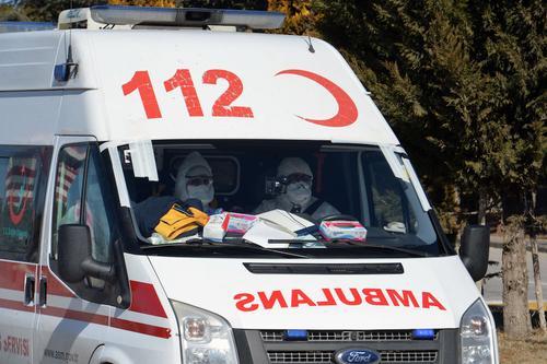 Минздрав Турции: в некоторых провинциях страны зафиксирован третий пик пандемии COVID-19