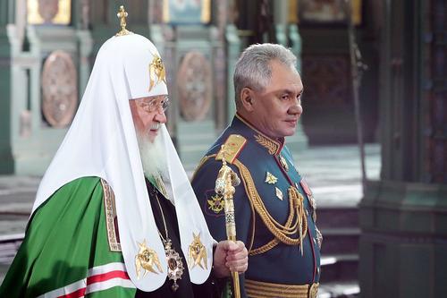 ВЦИОМ сообщает, что граждане России лучше всего относятся к ВС РФ и РПЦ