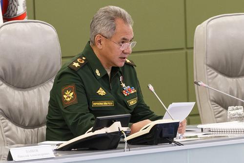Шойгу сообщил о начале массовой вакцинации от COVID-19 в ВС РФ