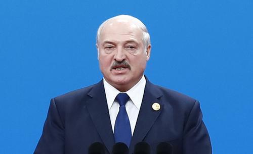 Лукашенко заявил, что при новой конституции не будет президентом