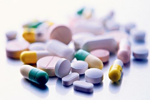 В России стремительно растёт производство лекарств. Но в аптеках пусто