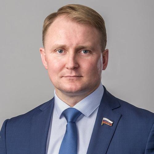 В Госдуме, комментируя приближение самолёта-разведчика ВВС США к границе РФ, призвали Россию жёстче реагировать на провокации