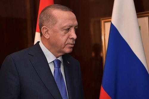 Эрдоган объявил о введении комендантского часа в Турции