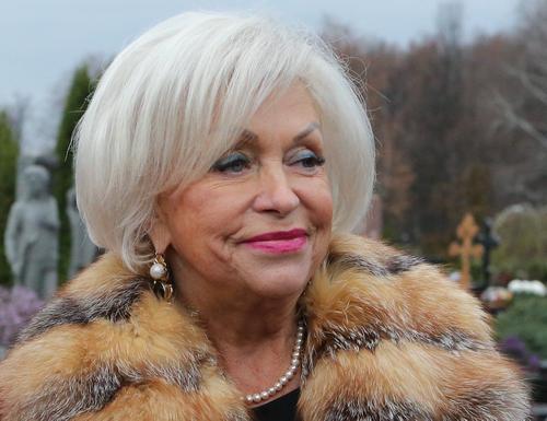 Поргина опровергла наличие у Дрожжиной звания «Заслуженной артистки России»