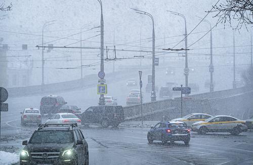 Москвичей предупредили о рекордно высоком атмосферном давлении в грядущие выходные
