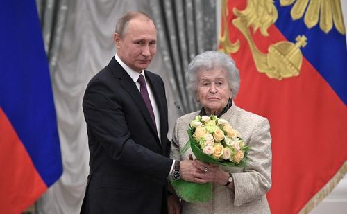 Кремль: Владимир Путин соболезнует в связи со смертью Ирины Антоновой