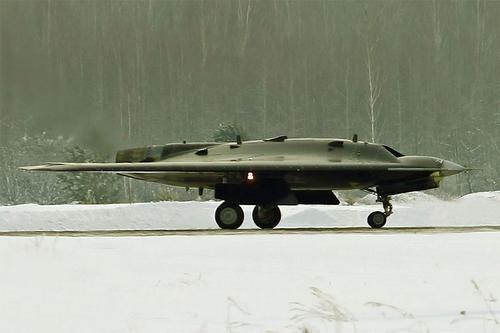 Российский тяжелый ударный беспилотник совершил полеты с боевой нагрузкой