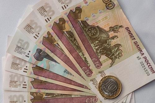Экономист Юрченко предупреждает, что под Новый год некоторые россияне потеряют часть зарплаты