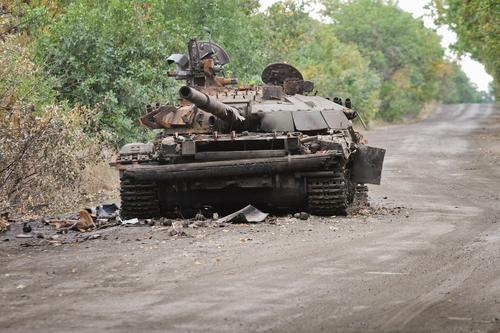Появилось видео с армянским танком, уничтоженным дроном-камикадзе Баку во время войны в Карабахе
