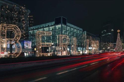 Власти Германии не исключают жесткий локдаун после Рождества