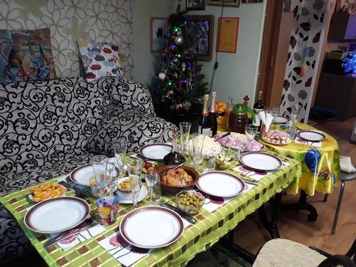 Врач-гастроэнтеролог Дианова объяснила, почему не стоит воздерживаться от еды до новогодней ночи