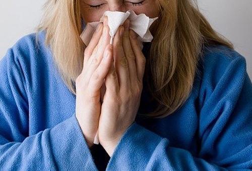 Врач-оториноларинголог Колесникова заявила, что стресс повышает риск тяжелого течения простуды