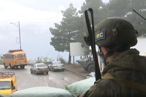 Минобороны Армении: Миротворцы РФ помогли армянским военным выйти из окружения в Карабахе