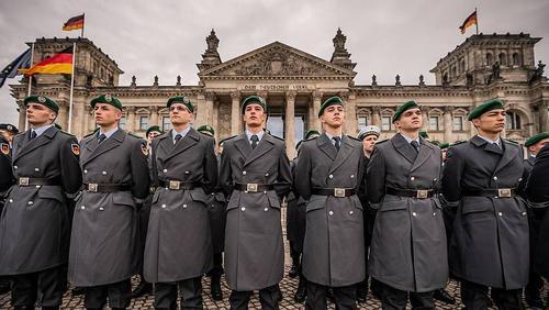 Военные профессионалы Германии подустали от идиотизма своих руководителей
