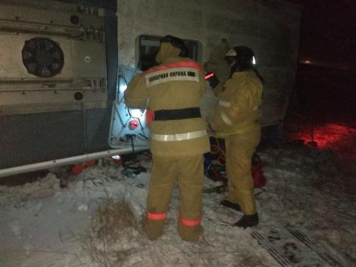В Рязанской области ночью автобус попал в ДТП, есть погибшие и пострадавшие