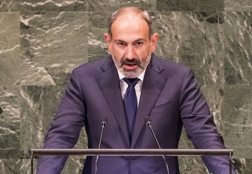 Пашинян заявил о готовности оставить пост премьера, но лишь по решению народа Армении