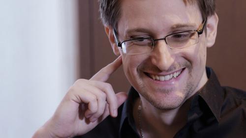 Супруга бывшего сотрудника спецслужб США Эдварда Сноудена в России родила первенца