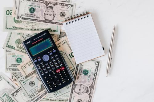 Финансист объяснил, когда лучше всего продавать и приобретать валюту - доллары и евро