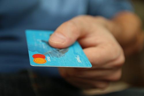 В России выросла доля бедных, и не радует количество просроченных кредитов
