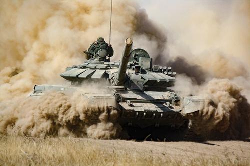 Появилось видео боевого применения армией Азербайджана израильской ракеты против армянского танка во время войны в Карабахе