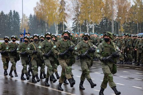 Avia.pro: Азербайджан может планировать забрать себе весь Карабах, выгнав оттуда российских миротворцев