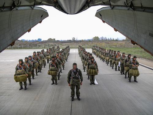 Экс-разведчик Кедми: американские власти испытывают страх из-за возможного приближения армии России к границам США