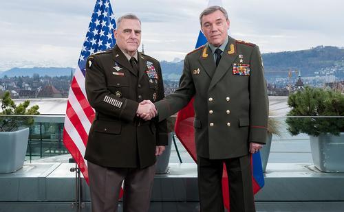 С какой целью глава объединенного комитета НШ США Марк Мили позвонил Начальнику Генштаба ВС РФ Валерию Герасимову?