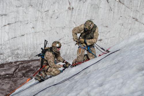 Горнострелковые подразделения ВС РФ готовятся к соревнованиям, вместо того, чтобы готовиться к войне