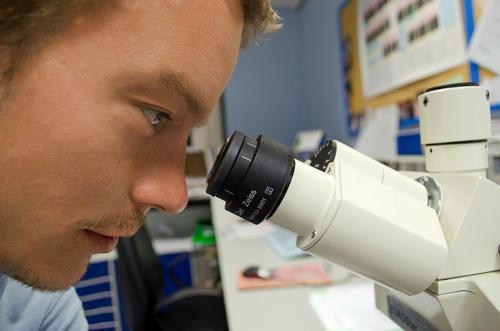 Ученые назвали три новых симптома «британского» штамма COVID-19