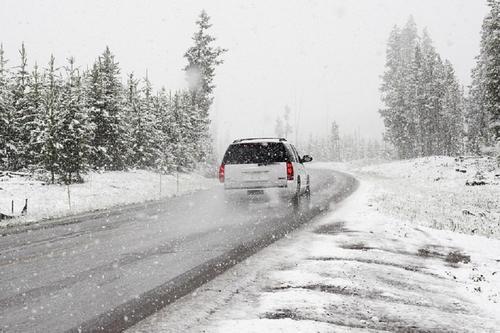 В Кабардино-Балкарии запретили движение всех машин в сторону Грузии из-за непогоды
