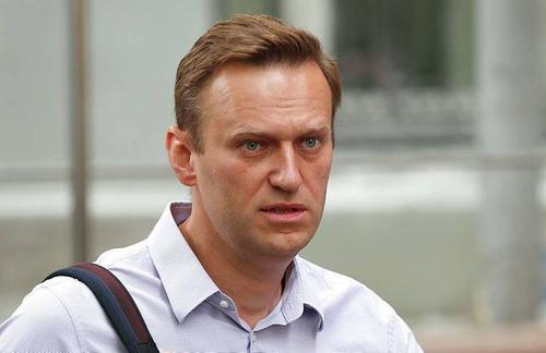 Алексея Навального привезут прямо к трапу самолета, регистрацию за него прошли сотрудники федеральной полиции