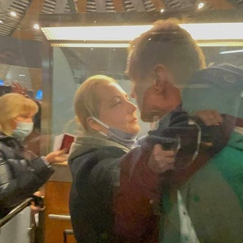 Руководители «Аэрофлота» и «Победы» ещё за сутки знали о внезапном манёвре самолёта с Навальным, утверждает канал Baza