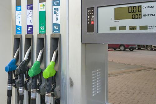 Цены на бензин начали расти на российских АЗС
