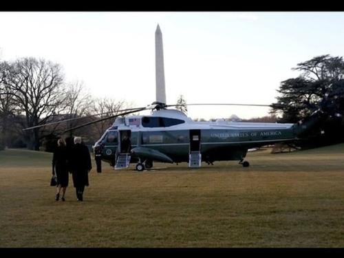 Видео, как Трамп покинул Белый дом за несколько часов до инаугурации Байдена