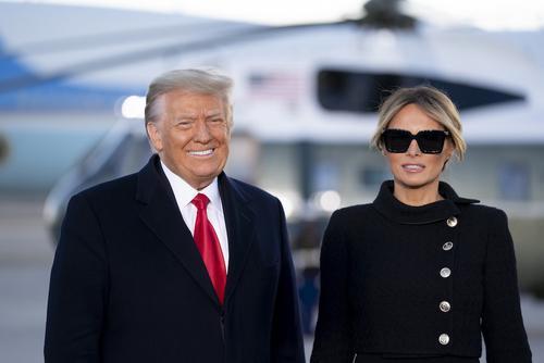 Дональд Трамп прибыл во Флориду в последний час своего президентства