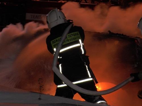 Пожар произошёл на автостоянке в Мурманске, сгорели 10 машин марки Газель Next