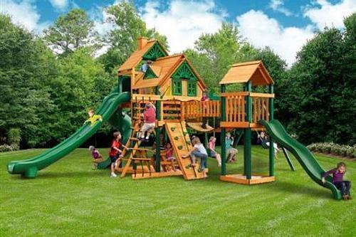 40 тыс. несчастных случаев в год проиходит на детских площадках