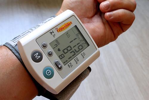 Американские ученые назвали шесть симптомов опасно высокого артериального давления