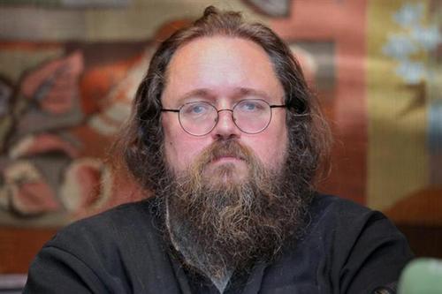 Митрополит Иларион заявил, что протодиакона Кураева могут отлучить от церкви: «Клеветой на церковь многих отталкивает от Бога»