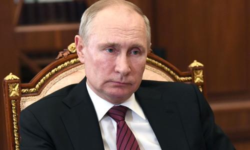 Путин назвал незаконные акции протеста «опасными»