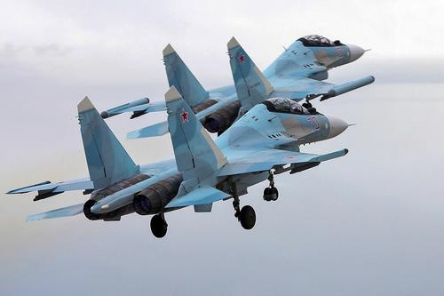 Самолеты ВКС России отработали условное уничтожение эсминца США «Дональд Кук» в Черном море