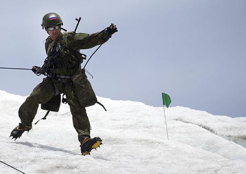 С армейскими инструкторами был проведен специальный сбор на горе Эльбрус