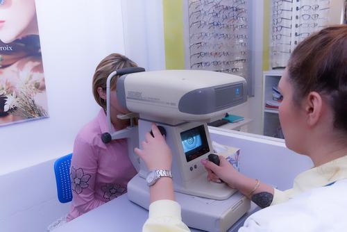 Врач-офтальмолог Шилова назвала снижение остроты зрения возможным последствием COVID-19
