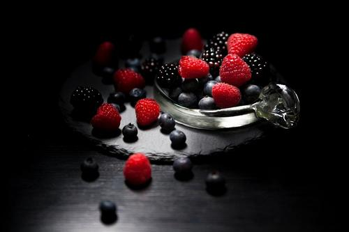 Названы продукты, употребление которых поможет избавиться от жира на животе