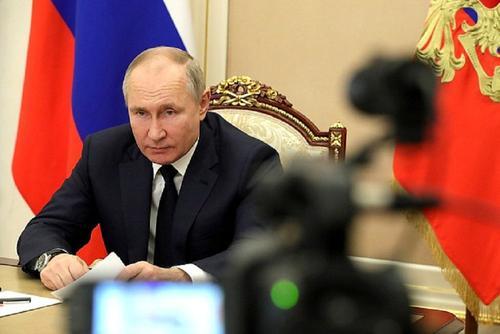 Путин призвал заниматься вопросами кибербезопасности в банковской сфере