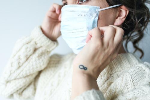 Биолог Нетесов назвал признаки смешанного заражения коронавирусом